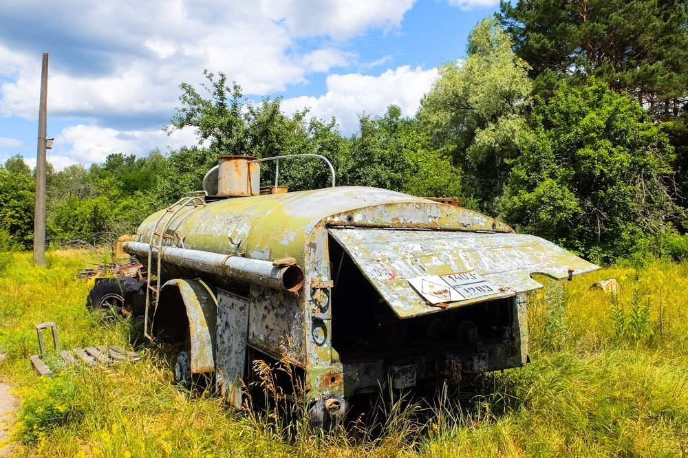Abandoned car near Duga radar