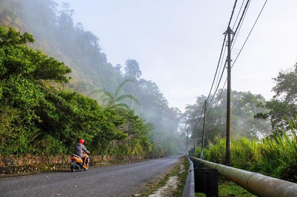 Driving up Gunung Raya
