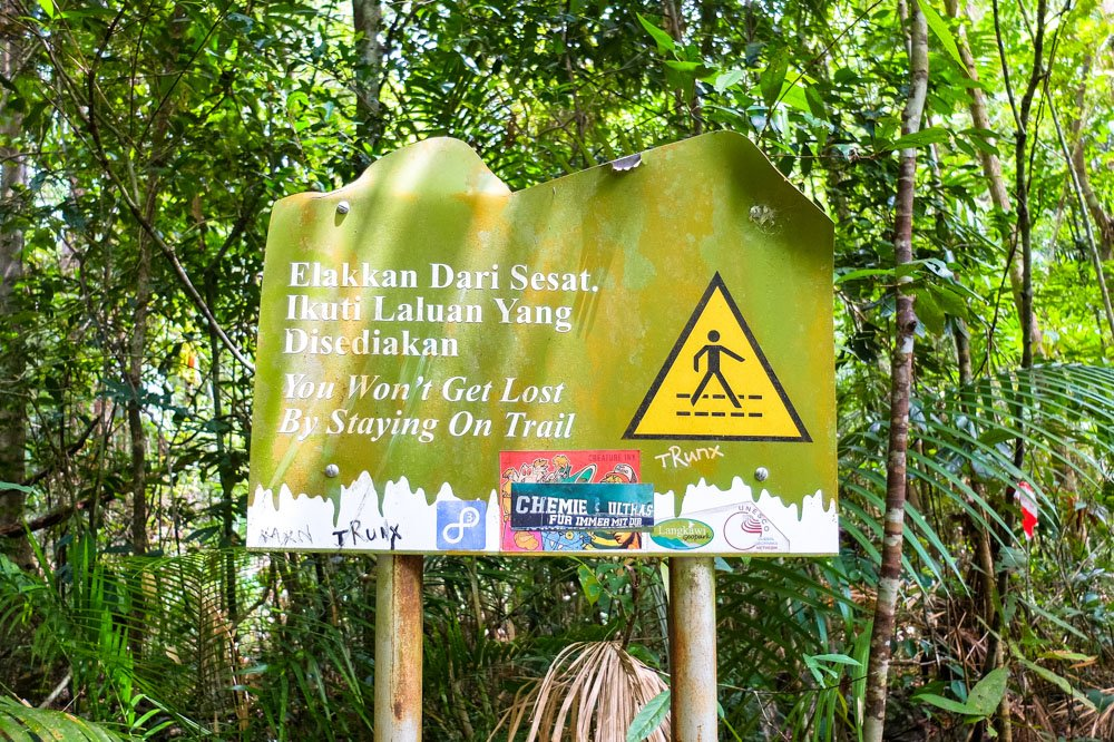 Trail sign on Gunung Mat Cincang hike