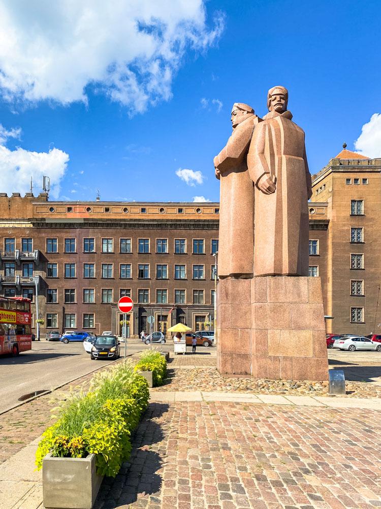 A statue in Riga city center