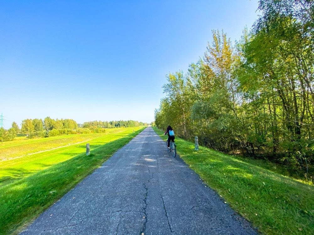 A bike path near Saulkalne