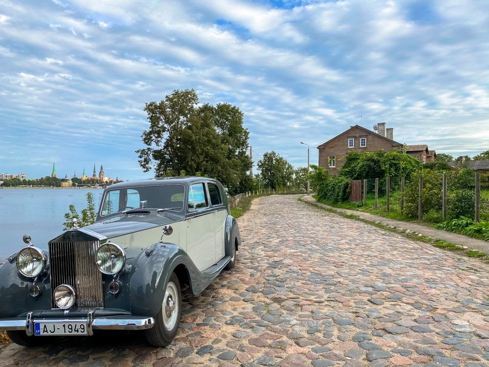 A vintage car in Kipsala, Riga