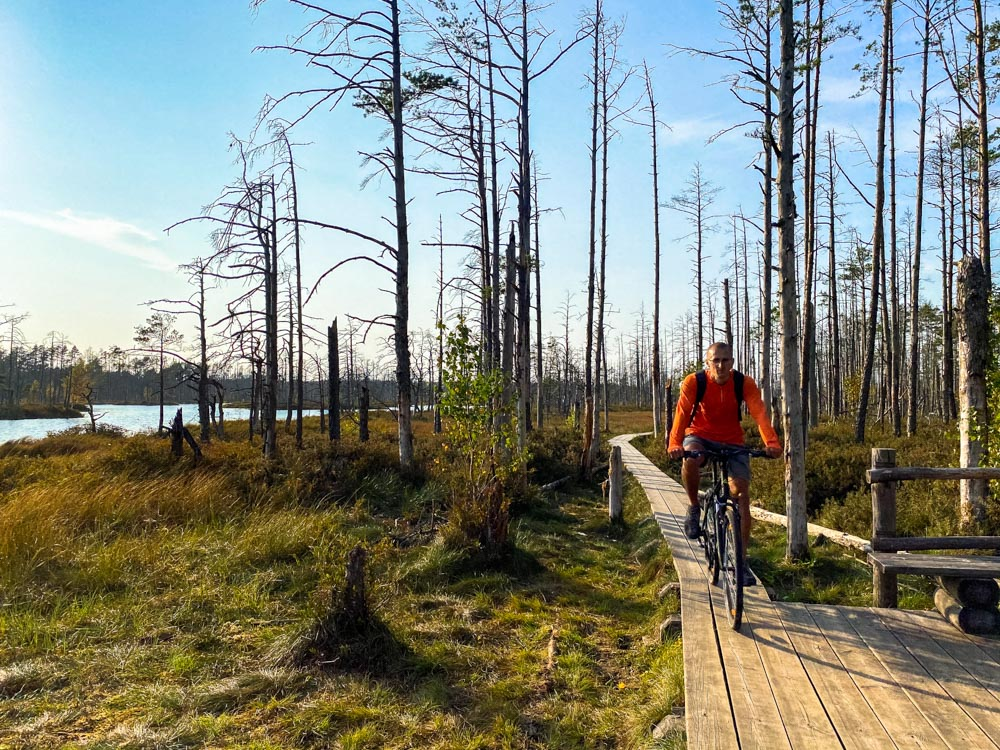 Cycling in Cena Bog