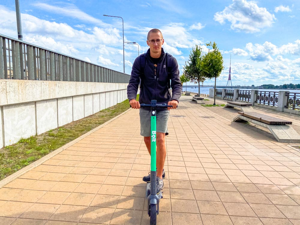 Riding an electric scooter in Riga