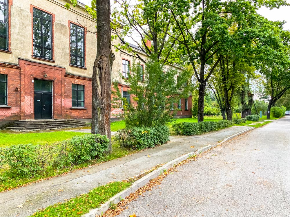 Two storey building in Kundzinsala, Riga