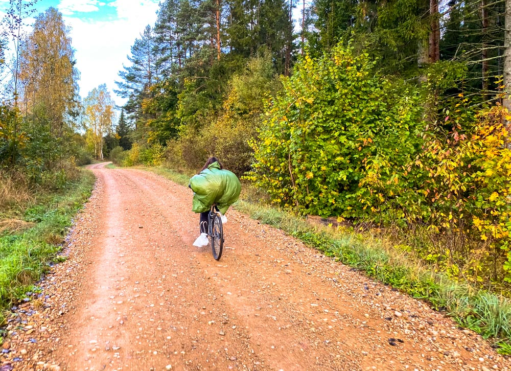 Cycling on gravel roads