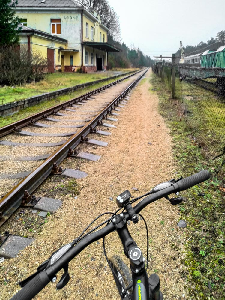 Cycling next to rails