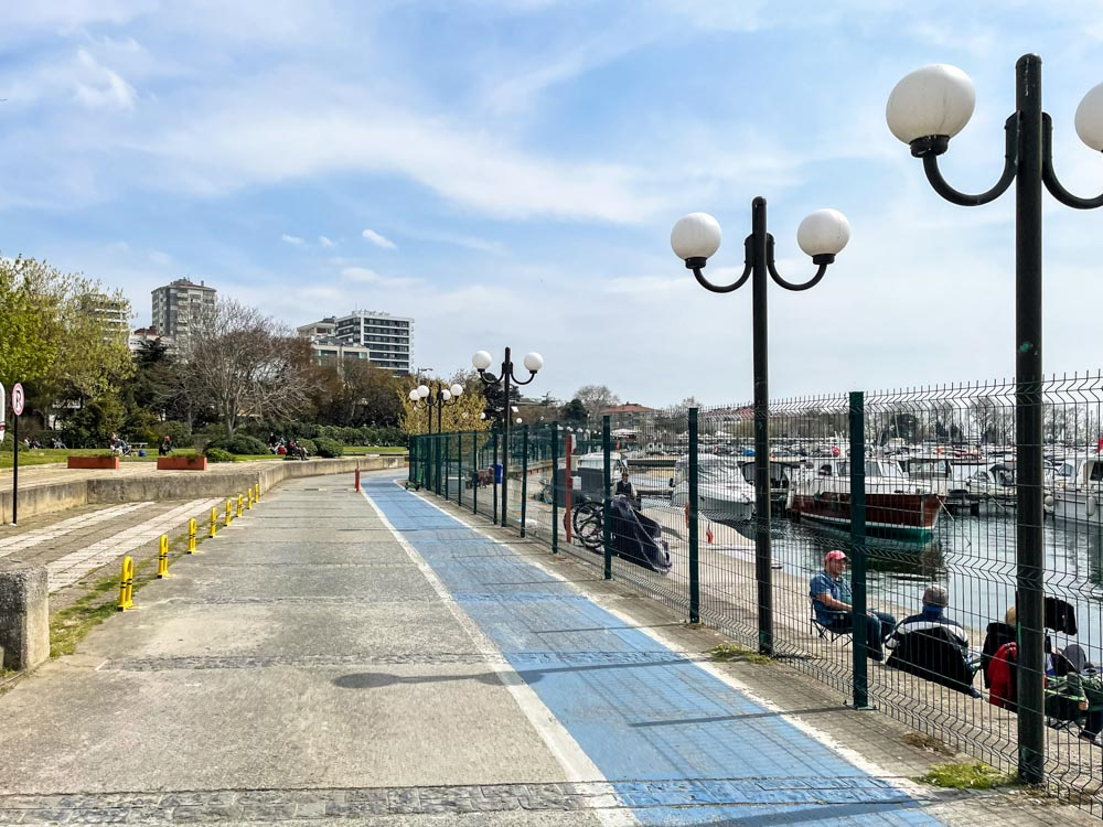 Walking the Asian side of Istanbul