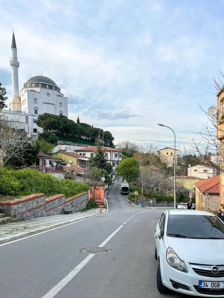 Walking to Nakkastepe Millet Bahcesi