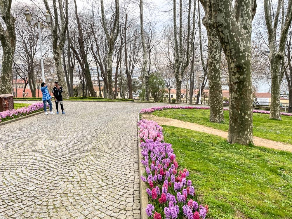 Wide pathways of Gulhane Park